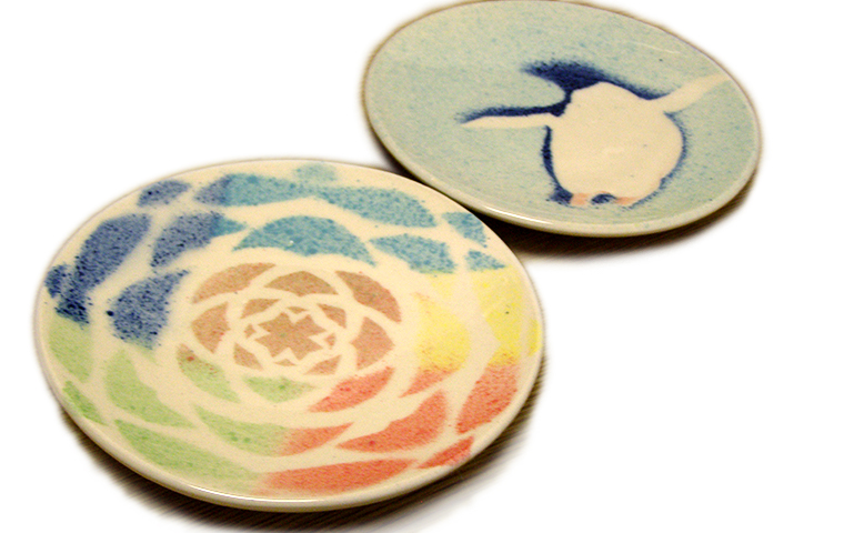 【雪あかりの祭典】『ぼかし絵付け』で小皿を彩る