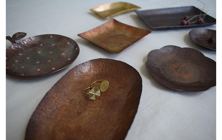打ち出し技法で銅のトレーづくり【体験・学び】