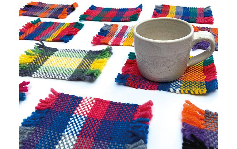 【雪あかりの祭典】織機でコースターを織ろう!