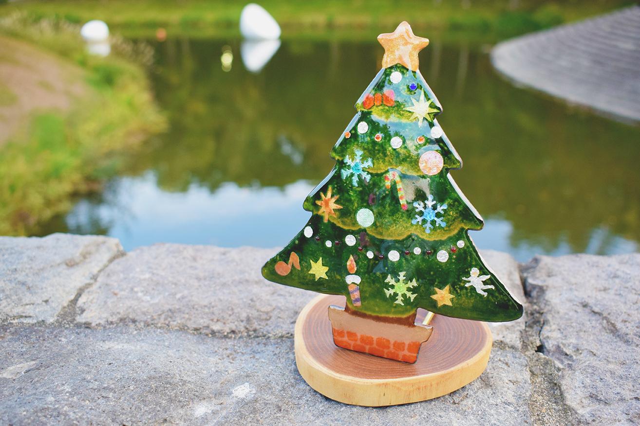 七宝焼でつくるクリスマスツリー